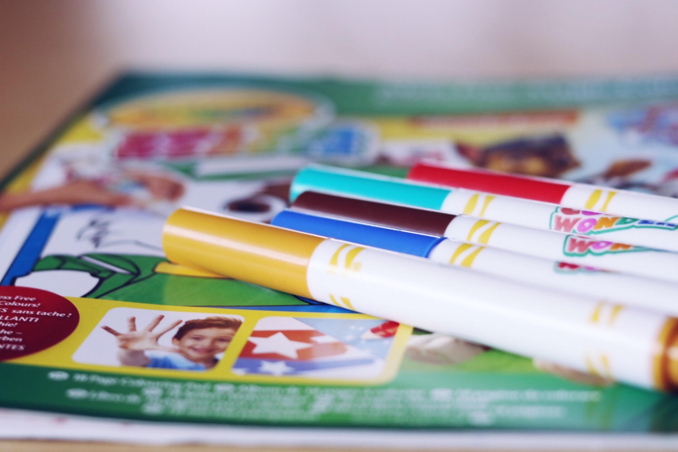 color wonder crayola feutres thereseandthekids