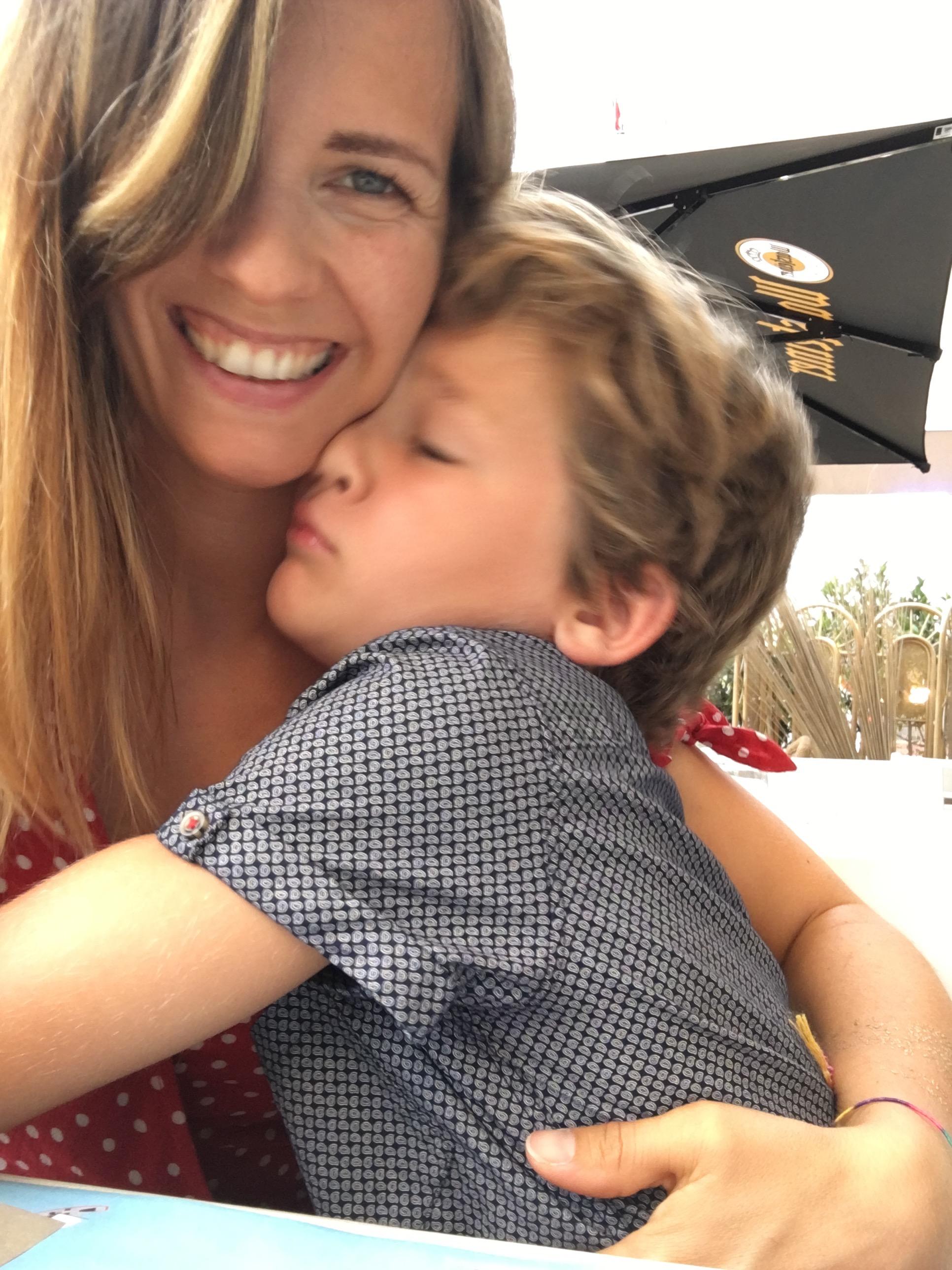 amoureux amour maman fils blog suisse famille thereseandthekids