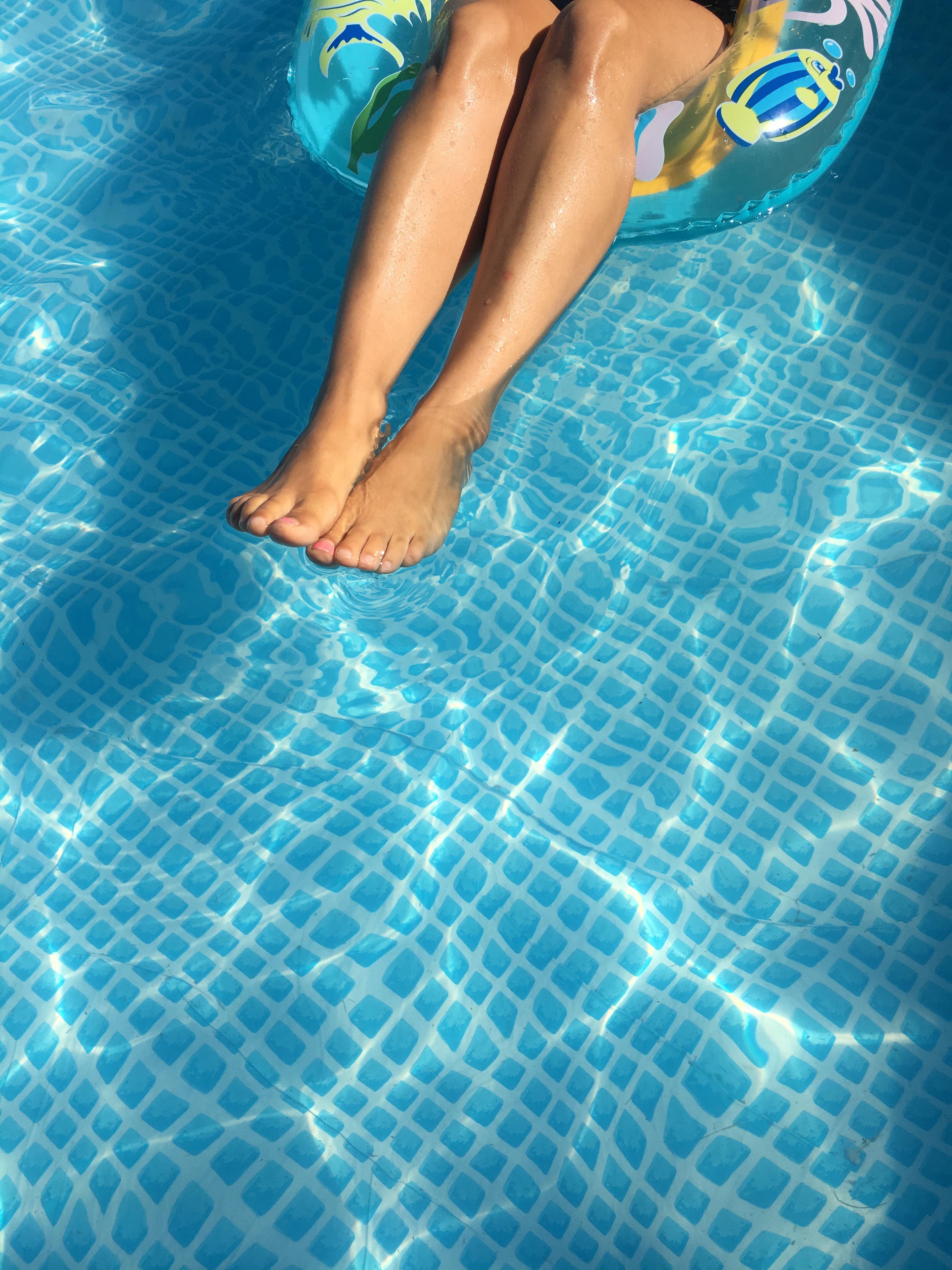 bouée piscine humeur maman blog thereseandthekids